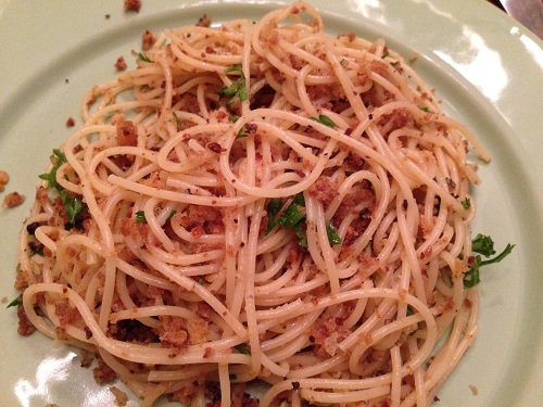 Spaghetti w/ garlicky breadcrumbs & Anchovies