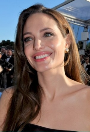 Angelina_Jolie_Cannes_2011