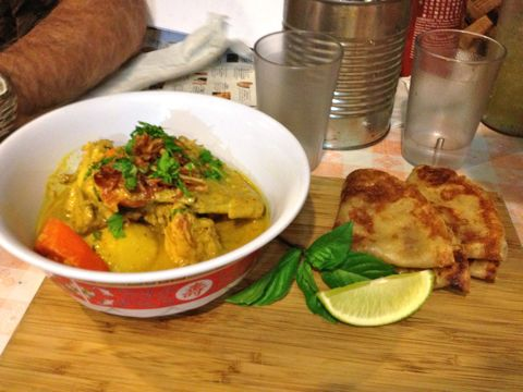 Bun-ker Chicken Curry